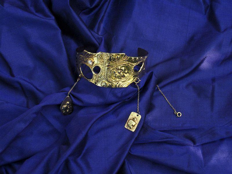 "LEBADANG, ""Art to Wear"", bracelet, 1984, diamants et or. Myshu Lebadang, Paris, France. © Luc HO."